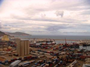 منظر شامل لميناء مدينة وهران