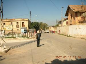 Une allée dans la ville de Ouarizane