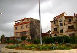 مباني سكنية بضواحي غليزان