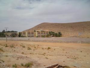 صورة لثانوية ڨمڨومة ببلدية متليلي