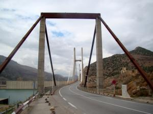 صورة من الجسر العابر لسد بني هارون