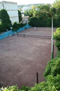 نادي التنس بمدينة سوق أهراس (1)