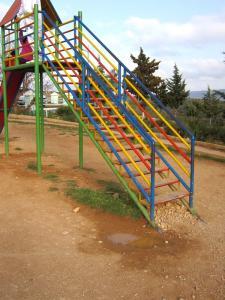 حديقة تسلية خطيرة لأطفال بلدية عين فزة (ولاية تلمسان) 1