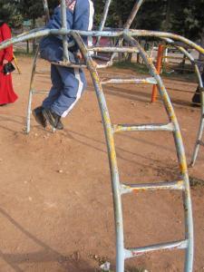 حديقة تسلية خطيرة لأطفال بلدية عين فزة (ولاية تلمسان) 3