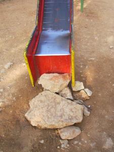 حديقة تسلية خطيرة لأطفال بلدية عين فزة (ولاية تلمسان) 5